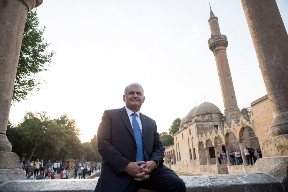 Başbakan Binali Yıldırım Balıklıgöl'de Şanlıurfalılar ile Buluştu