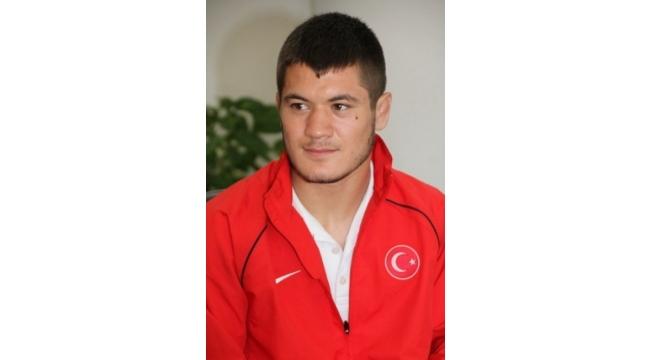 Akhisarlı Ali Çengiz, dünya ikincisi oldu