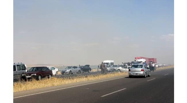 Anız yangını zincirleme kazaya neden oldu: 20 yaralı