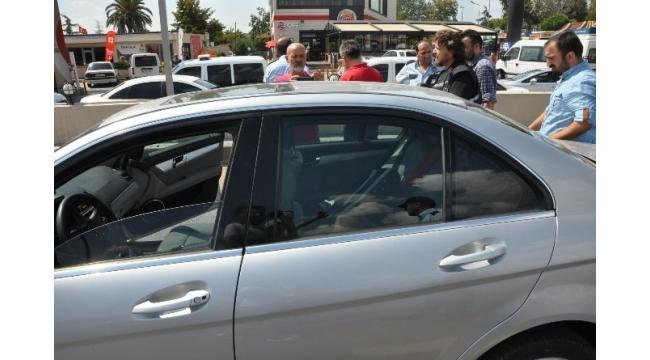 Asayiş uygulamasında durdurulan lüks otomobilden ceset çıktı