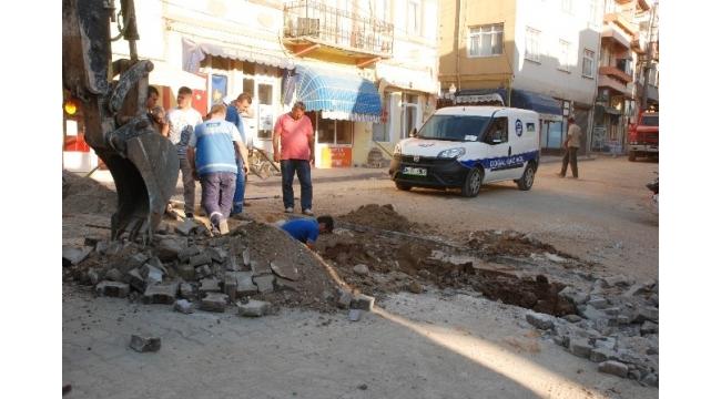 Bayramiç'te doğalgaz borusu patladı