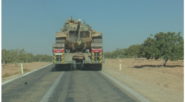 Cerablus sınırına tank ve obüs takviyesi