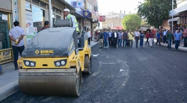 Ceylanpınar'da asfaltlama çalışmaları hızlandı