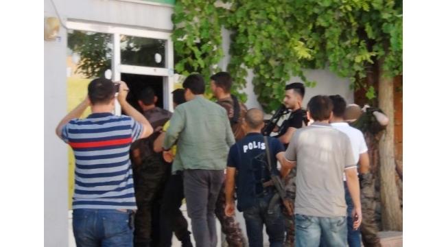 Çukurca'da 9 kişi gözaltına alındı