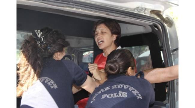 Eskişehir'de 2 kadın eylemci gözaltına alındı