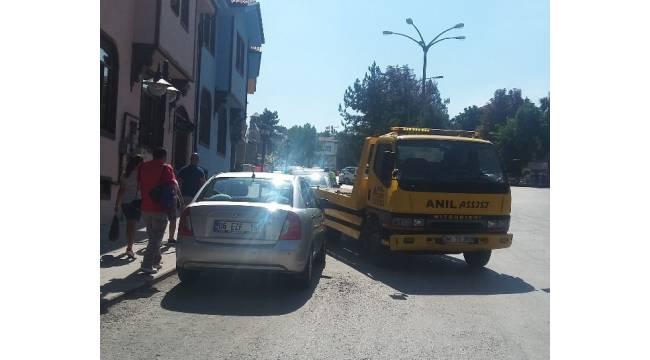 Eskişehir'de araçları çekilen turistler tepki gösterdi