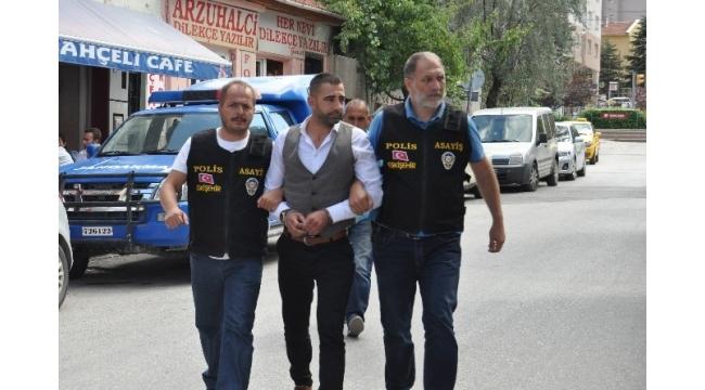 Eskişehir'de gazeteciyi darp eden şüpheli adliyede
