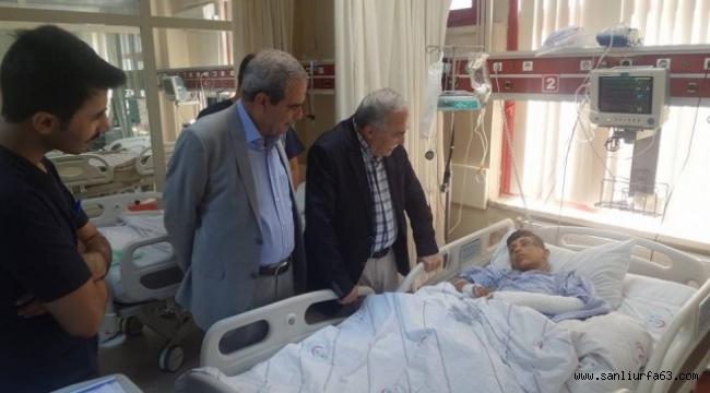 Fakıbaba ve Demirkol hastaları ziyaret ettiler