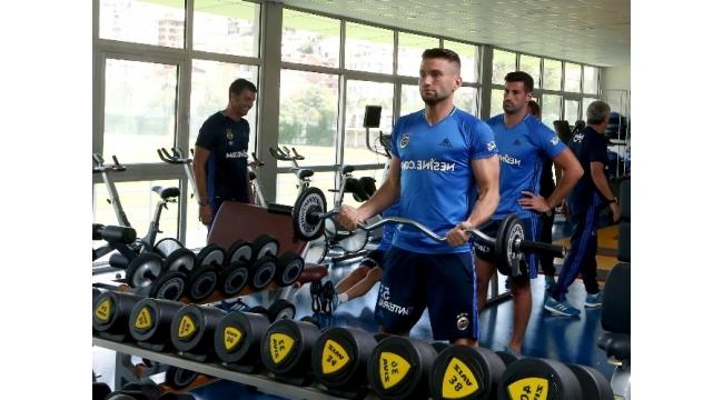 Fenerbahçe, hazırlıklarını sürdürdü