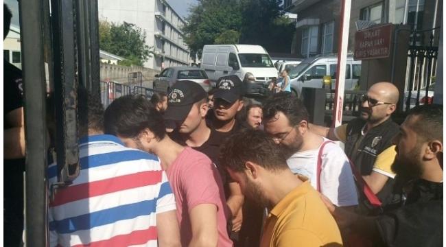FETÖ operasyonunda gözaltına alınan katipler, adliye sevk edildi