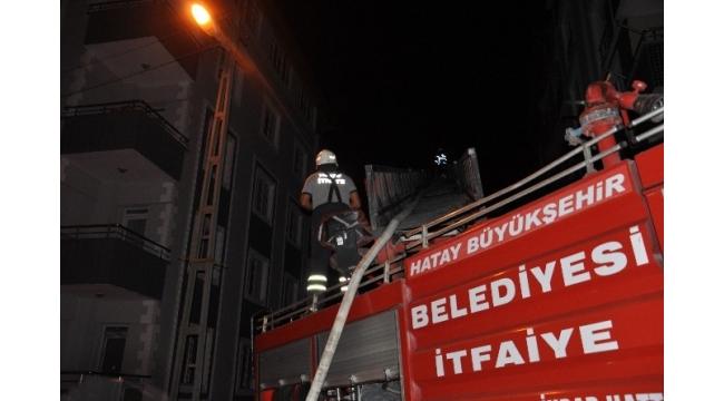 Hatay'da kocasına sinirlenen kadın evini ateşe verdi