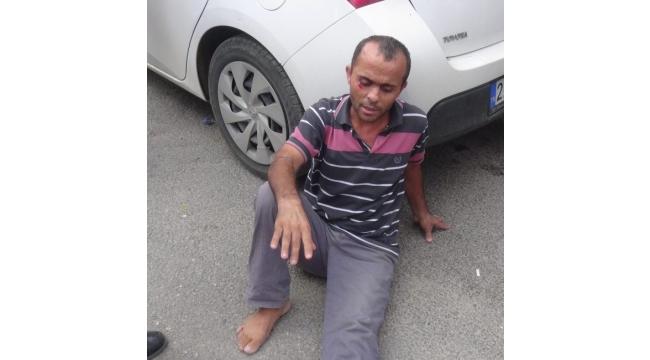 Husumetlisinin bulunduğu araca kurşun yağdırdılar: 2 yaralı