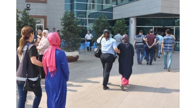 İnegöl'de FETÖ operasyonunda 4 tutuklama