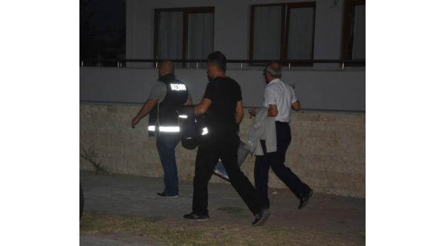 İzmir'de esnaflara FETÖ operasyonu
