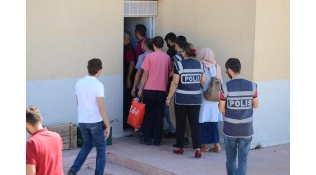 Karaman'daki FETÖ operasyonu şüphelisi 1'i kadın 21 kişi adliyeye sevk edildi