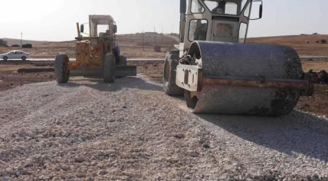 Kırsal mahallelerde yol yapım çalışması