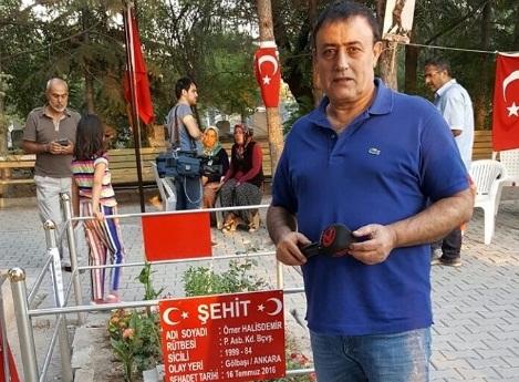 Mahmut Tuncer,Şehit Ömer Halis Demir'in kabrini ziyaret etti