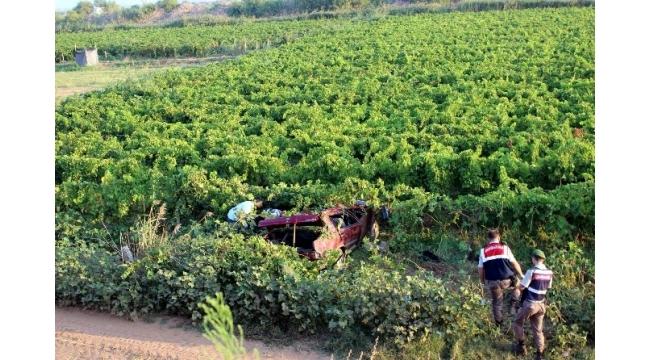 Manisa'da otomobil üzüm bağına uçtu: 1 ölü, 1 yaralı
