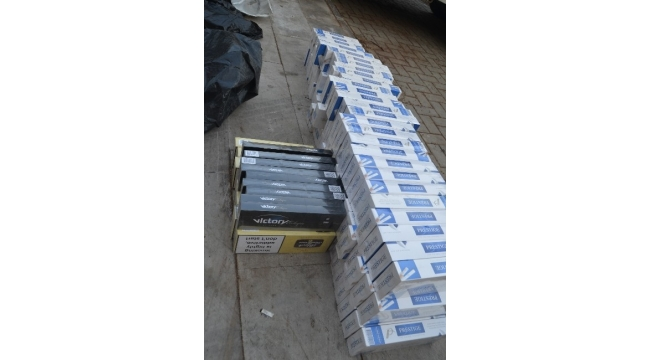 Mersin polisinden kaçak içki ve sigara operasyonu