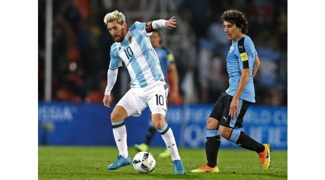 Messi Arjantin'e golle döndü