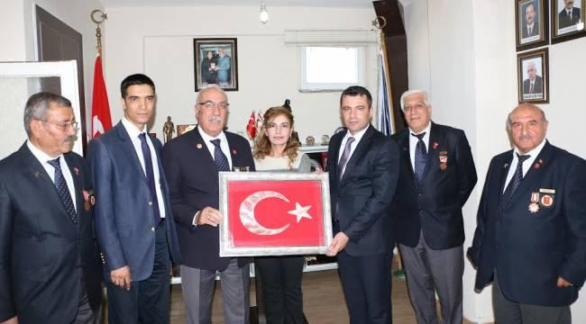 Müdür Önen,Şehit ve Gaziler derneğini ziyaret etti