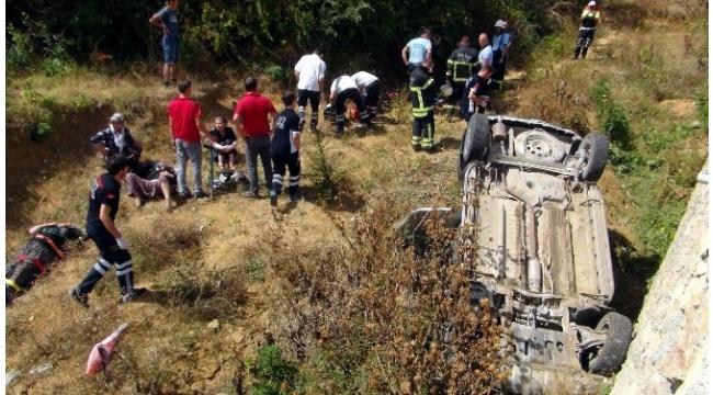 Otomobil şarampole yuvarlandı: 1 ölü, 3 yaralı