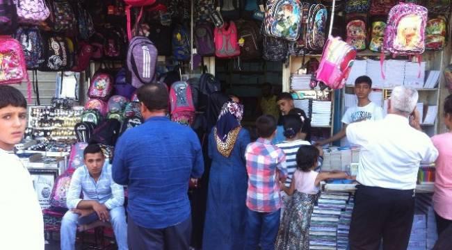 Şanlıurfa'da okul alışverişi yoğunluğu