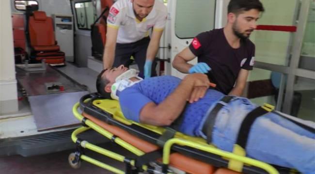 Şanlıurfa'da otomobil motosiklete çarptı