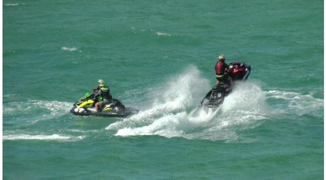 Su Jeti ve Flyboard Şampiyonası 2. ayağı Akçakoca'da başladı