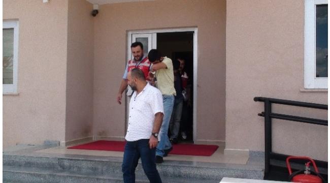 Sultanbeyli de yakalanan 3 kasa hırsızı tutuklandı