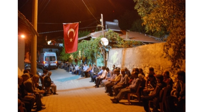 Suriye'de şehit olan uzman çavuşun acı haberi ailesine ulaştı