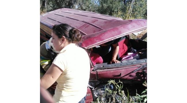 Takla atan minibüste 3 kişi yaralandı