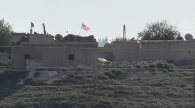 Telabyad'a ABD bayrakları asıldı