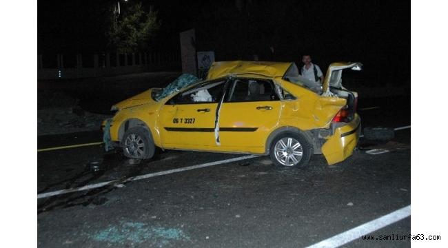 Ticari araç ile motosiklet çarpıştı: 3'ü ağır, 5 yaralı