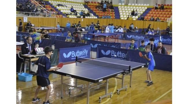 Tokat'ta Küçükler Masa Tenisi Grup maçları başladı