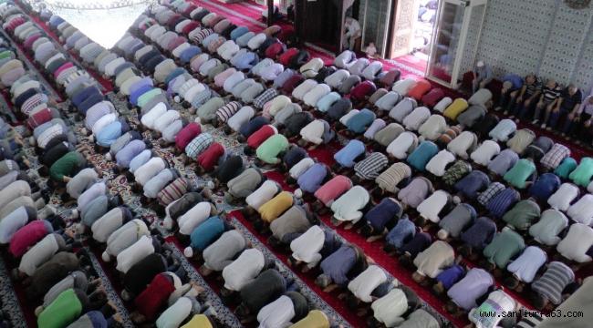 Urfa'da Bayram Namazı Coşkusu