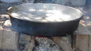 Urfa'da pekmez geleneksel yöntemlerle hazırlanıyor