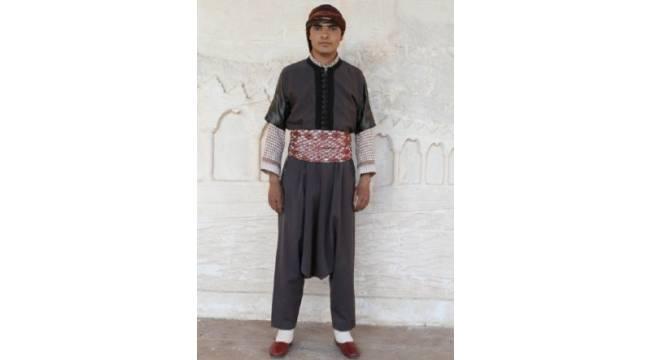 Urfa Halk oyunlarında Erkek giyim, kuşam ve takıları