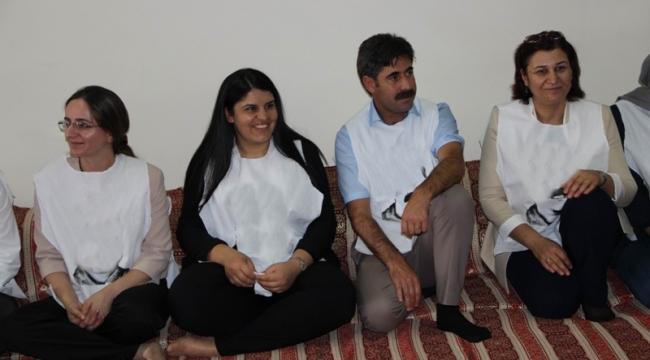 Urfa HDP vekili Öcalan için açlık grevine başladı