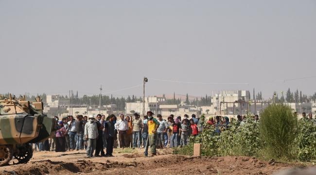 Urfa Valisi Olayların yaşandığı Kobani sınırına gitti