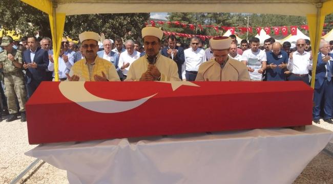 Viranşehir'de şehit olan Özdemir dualarla uğurlandı