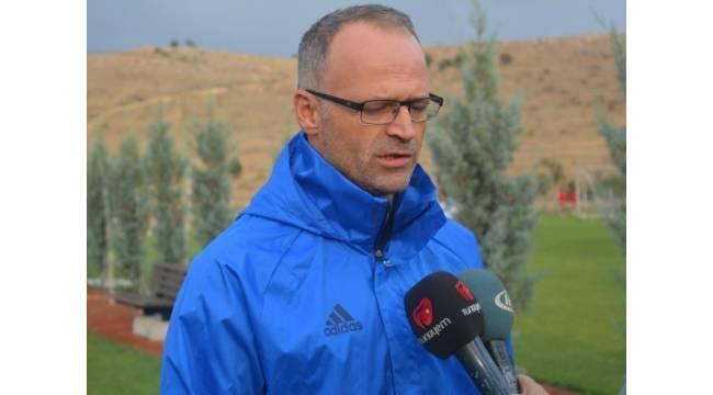 Yeni Malatyaspor liderliği sürdürmek istiyor