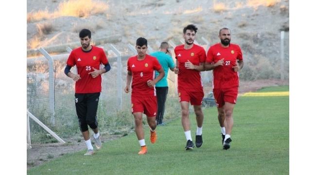 Yeni Malatyaspor'da Erkan ve Ertaç, ilk antrenmanına çıktı
