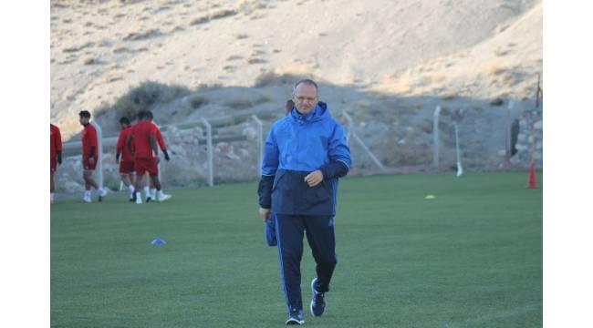 Yeni Malatyaspor'da İrfan Buz eleştirilere yanıt verdi