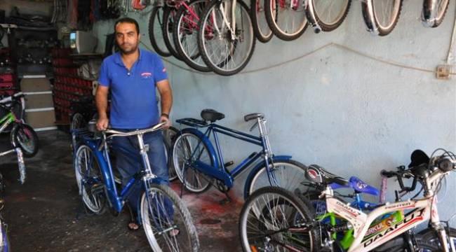 Akaryakıt pahalı olunca bisiklete yöneldiler
