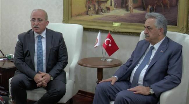 Bakan Yazıcı Şanlıurfa Valisi Tuna'yı ziyaret etti