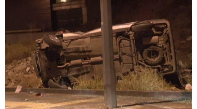 Başkent'te kontrolden çıkan araç takla attı