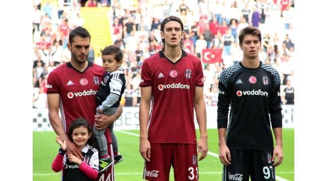 Beşiktaş, hazırlık maçında Medipol Başakşehir'i 2-1 mağlup etti