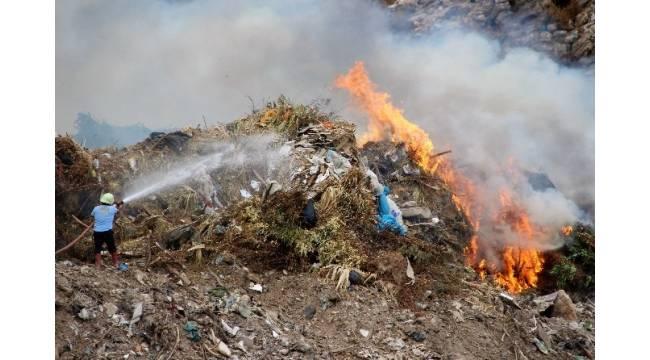 Bodrum çöplüğü alev alev yandı