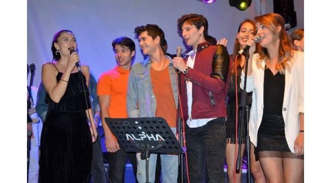 Bodrum Masalı dizi oyuncularından muhteşem konser